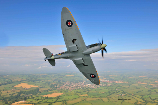 Spitfire flight and lunch at Goodwood