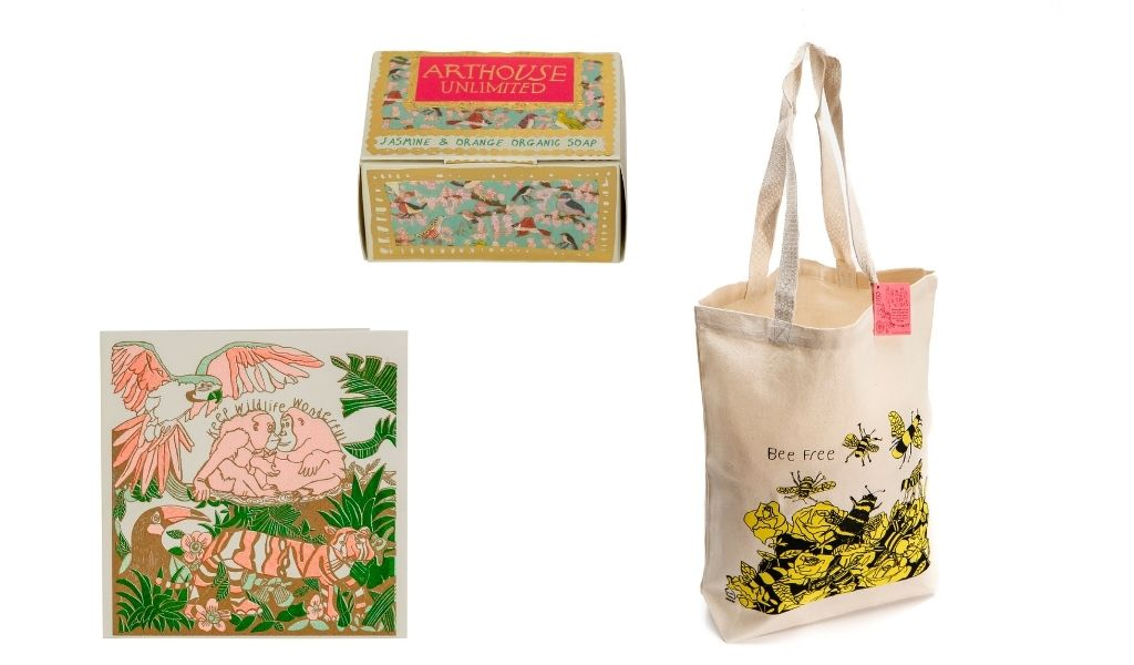 Best Eco Gifts 2021 - wildlife lover gift set