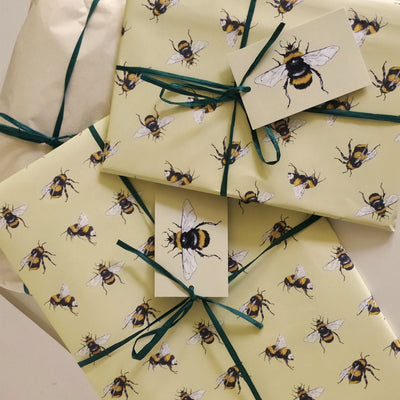 Hand Gift Wrap - Bees