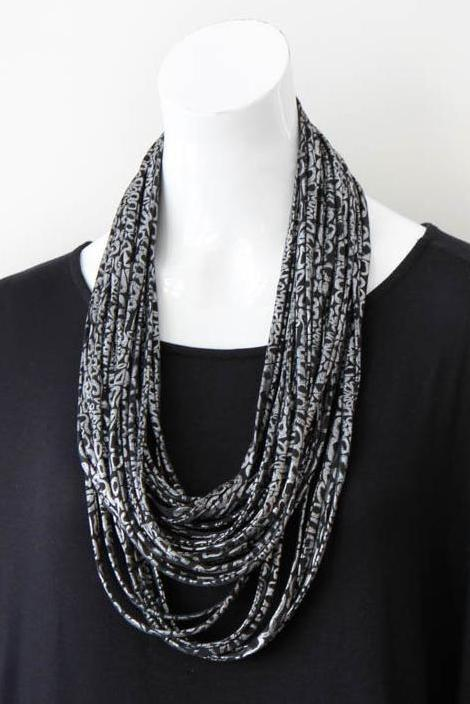 f7a346ed72540 Black and Silver Scarf Necklace 'Obsidian' - Necknots