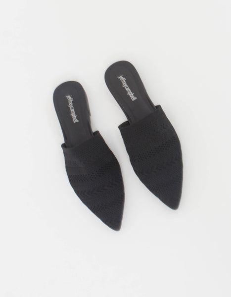 Carlile Flat in Black