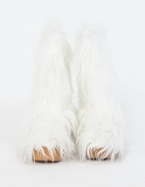 Fluffy Boots in White