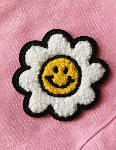Daisy Flower Iron On Chenille Patch