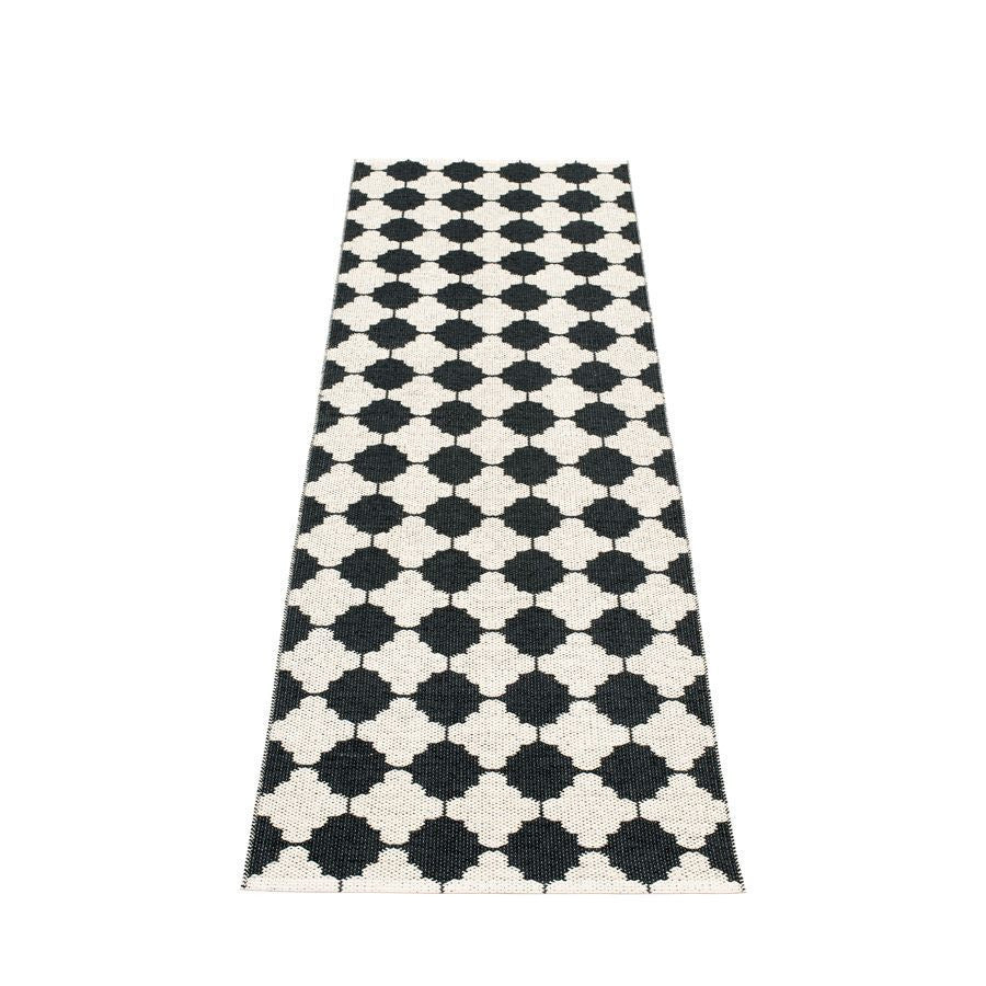 Marre Rug - Black/Vanilla, Coral Red Stripe Edge