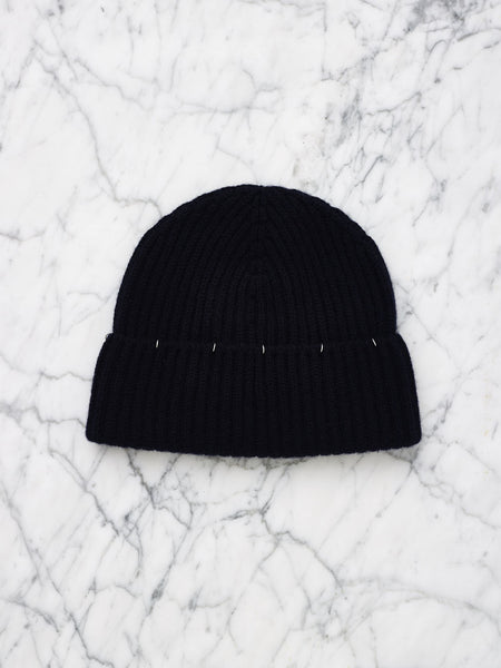 Cashmere Beanie with Piercing (Jet)