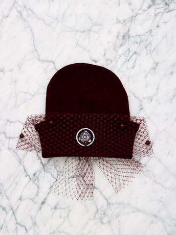 MESH BOW BEANIE WITH PEARLS (ALL OXBLOOD)
