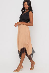 Lace Pleated Handkerchief Hem Skirt