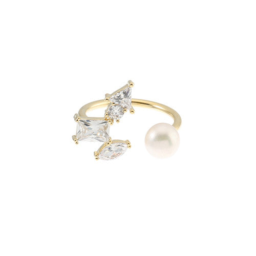 DAINTY CRESCENT RING