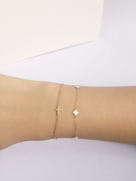 CLASSIC CROSS BRACELET WHITE GOLD *EXCLUSIVE