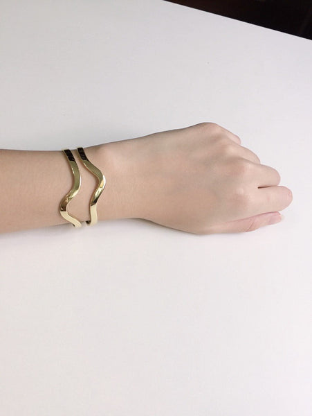 Elizabeth and James Marlowe Cuff - Gold