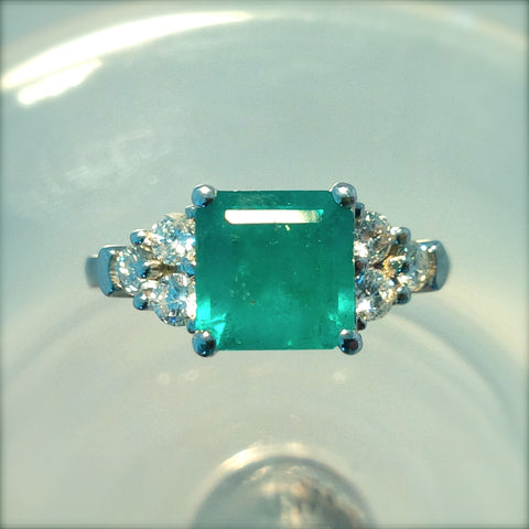 Colombian Emerald 2.32ct Ring With 1.0 ct Diamonds set in 18Kt White Gold