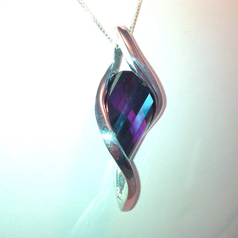 IfULoveMe in Brazil 925 Twisted Tear 8ct Amethyst Pendant in Silver