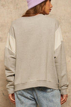 Load image into Gallery viewer, French Terry Knit Graphic Sweatshirt