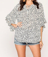 Load image into Gallery viewer, Leopard Printed Crepe Top