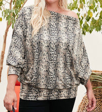Load image into Gallery viewer, Snake Print Knit Top
