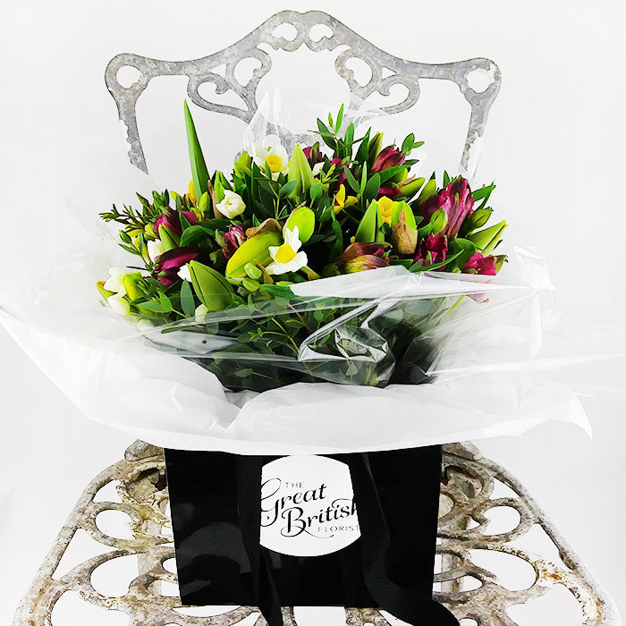 Why We LOVE Our Fresh Flower Posies :)