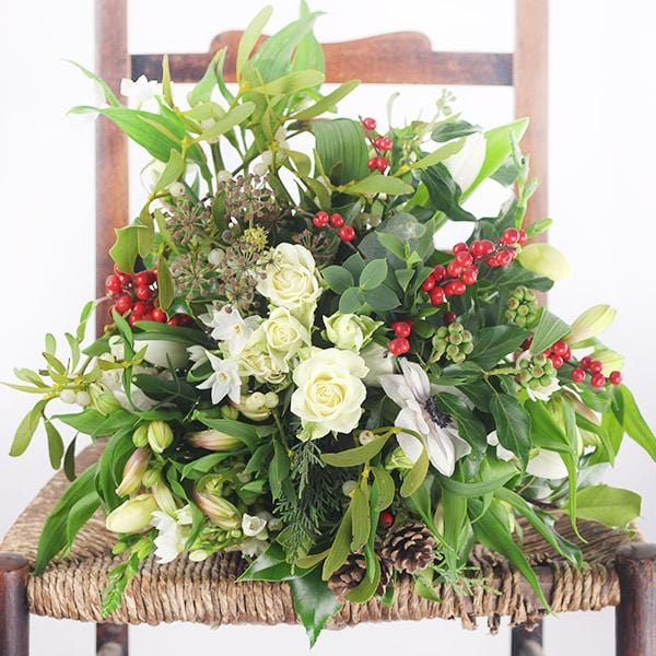 Order your fresh and festive flower arrangements before 12PM TODAY to guarantee delivery before Christmas Day!