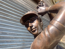 Load image into Gallery viewer, Exceptional Cast Bronze Golfer