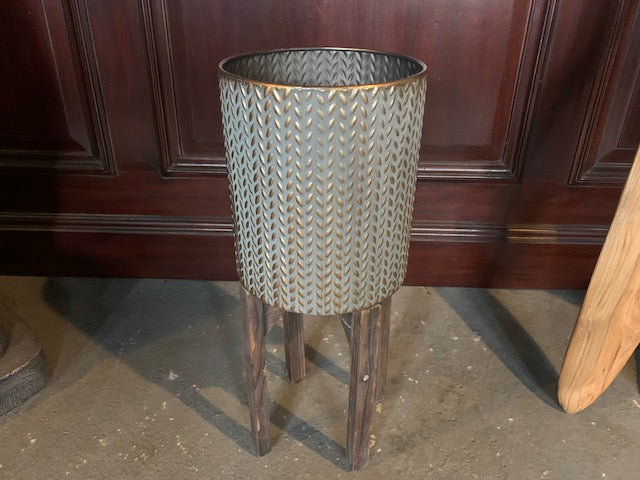Decorative Champagne Bucket in Brass Finish