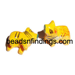 10 Pcs Handicrafted animal and bird Wooden pendants, Also used in making errings Sold Per Piece Size : 30mm, Shape: Other