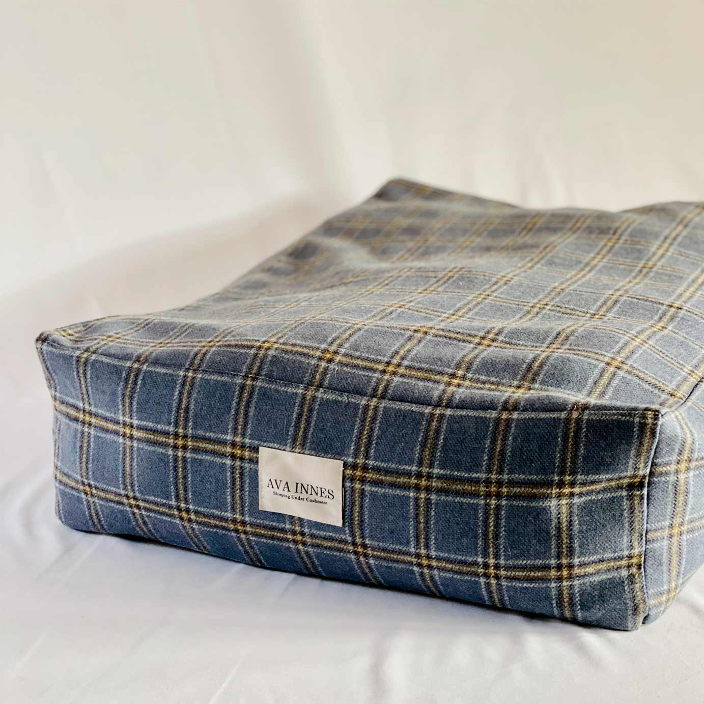Luxury Cashmere & Wool Filled Pet Bed