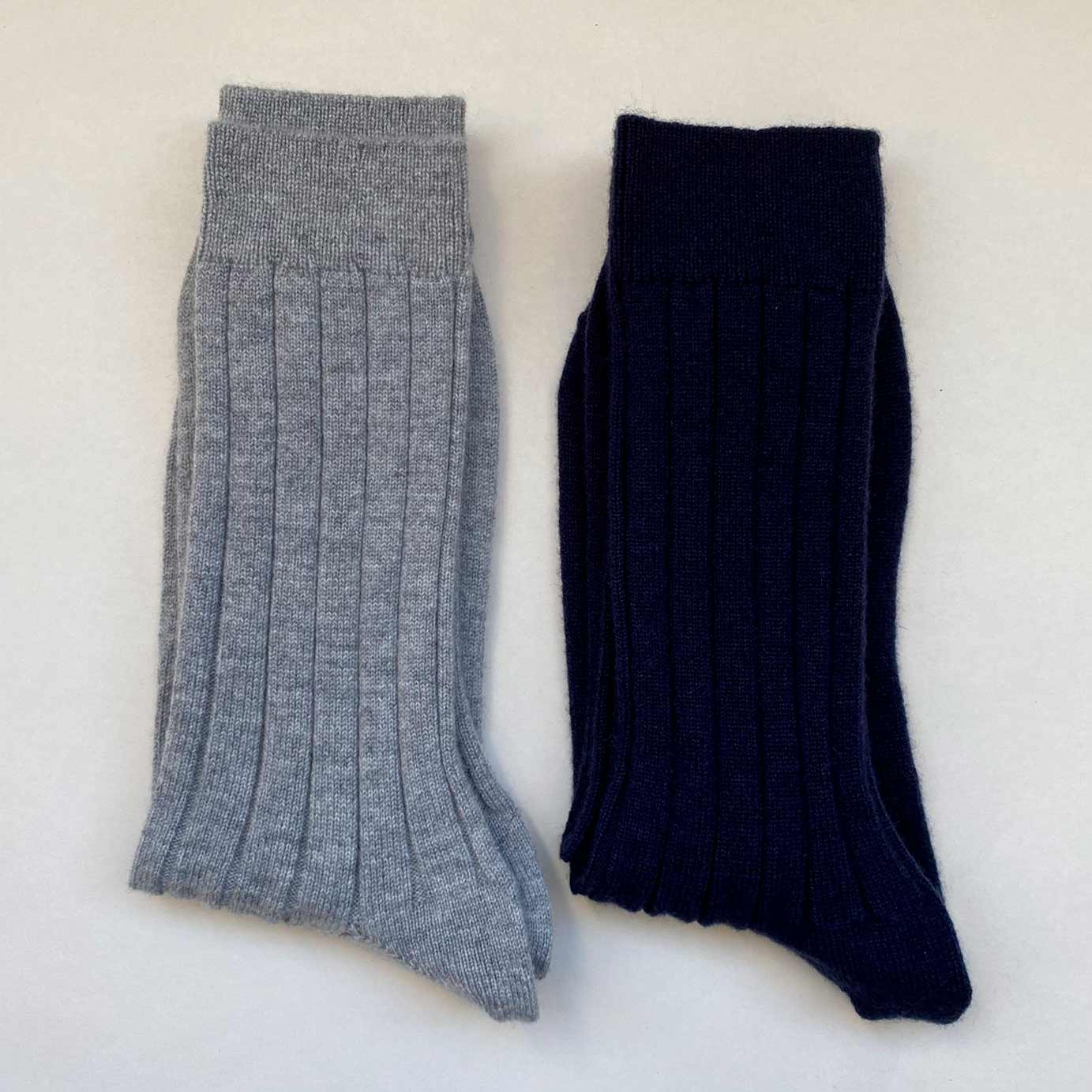 Men's Navy Cashmere Socks UK 10-12