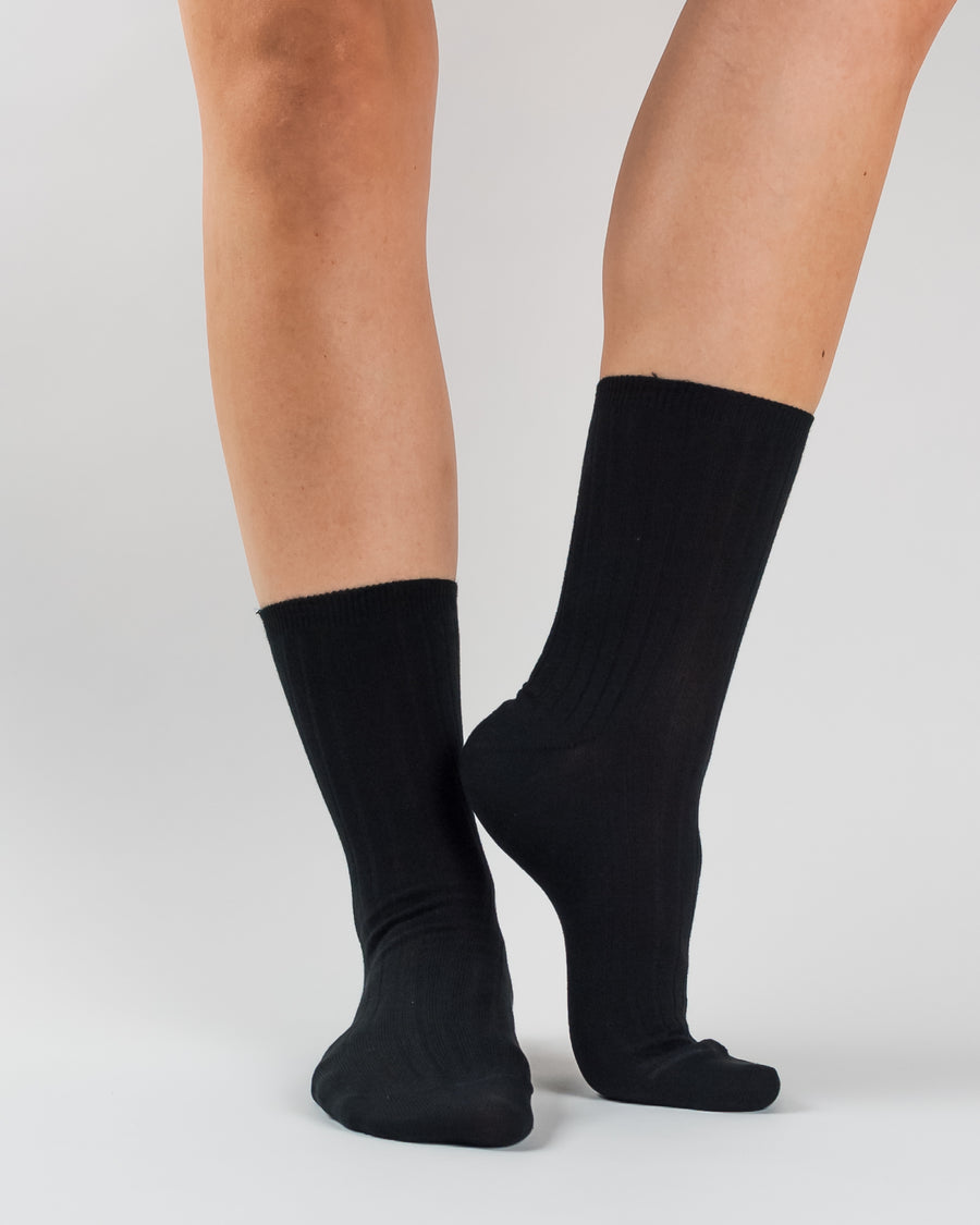 Woron organic cotton rib knit socks black