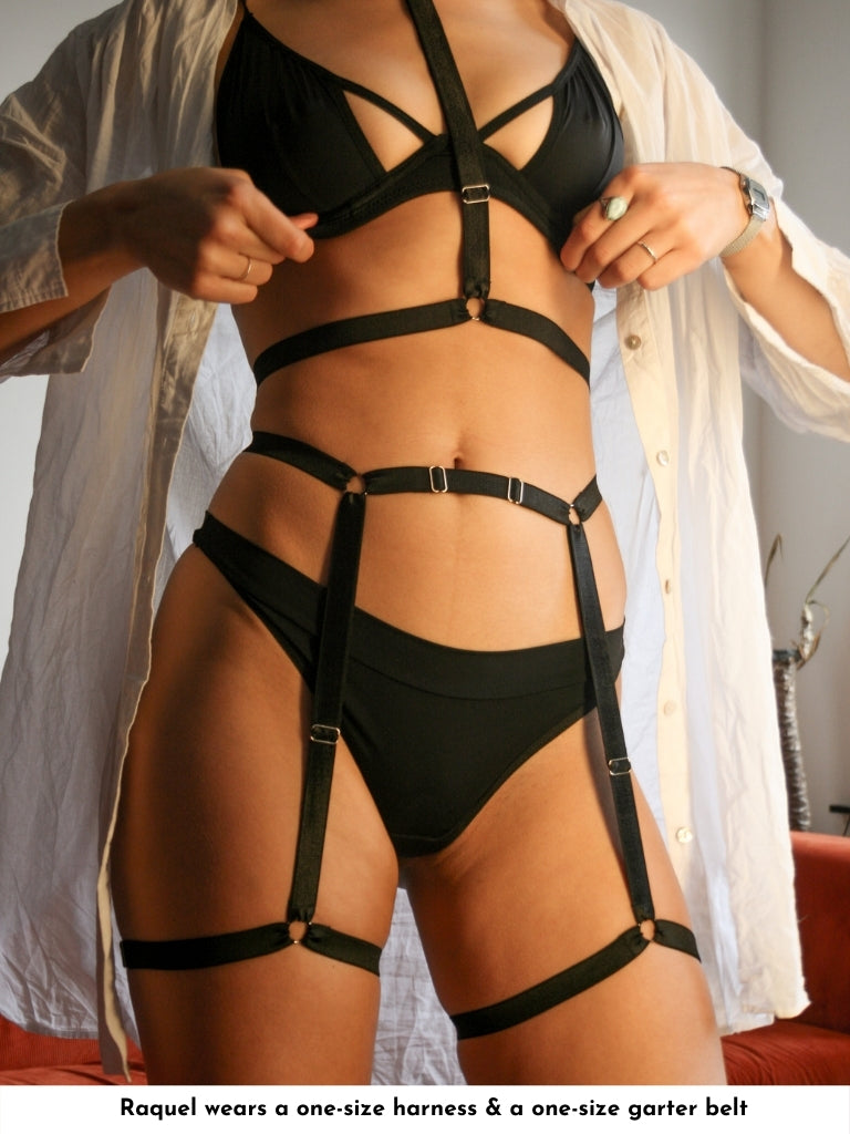 suspender garter belt