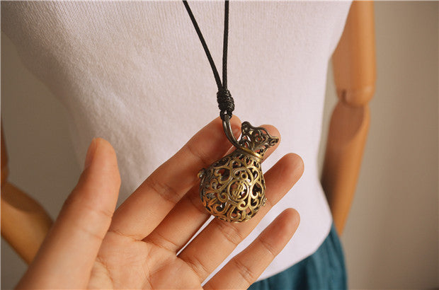 Retro Literary Simple Wild Stencil Pendant Long Necklace Sweater Chain