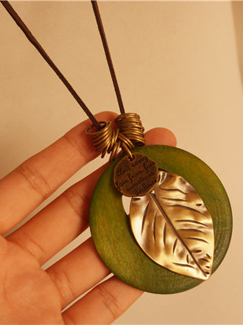 Vintage Leaf Metal Round Necklace