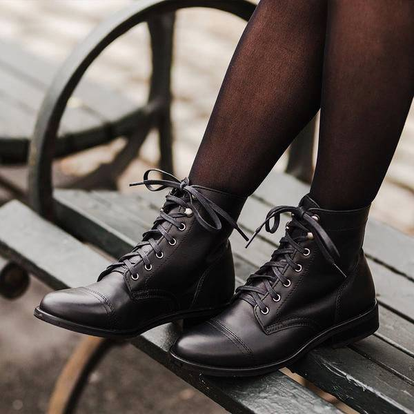 Women Retro Lace-Up Daily Casual Booties