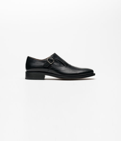 Monkstrap Black One