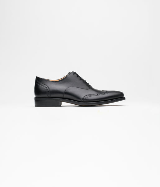 Wingtip Oxford Black