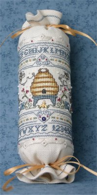 Bee Cottage, Bumblebee Needle Roll (w/charm), Needles and Things