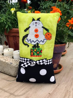 Amy Bruecken Designs, Boo Kitty, Needles and Things