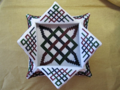 Terri Bay Needlework Designs, Celtic Lotus Box, Needles and Things