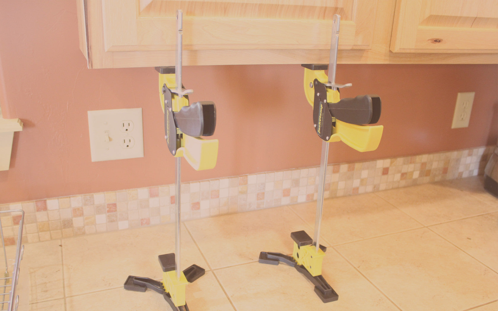 JackClamp Jacking Up Cabinets
