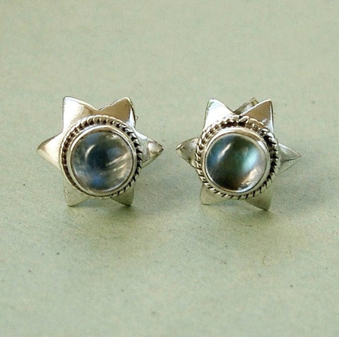 Pretty sterling silver & moonstone stud earrings