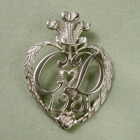 Vintage second hand sterling silver necklaces pendants the old vintage 1981 sterling silver charles diana pendant mozeypictures Gallery