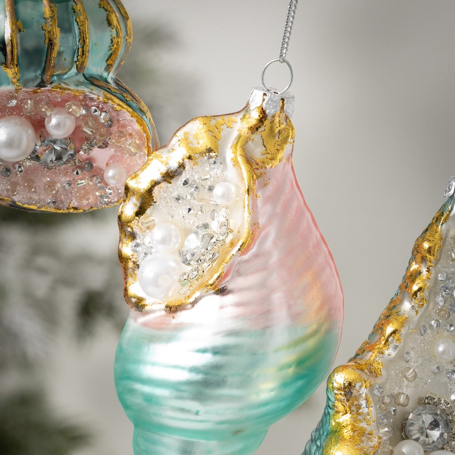 Shell Ornaments & Decorations