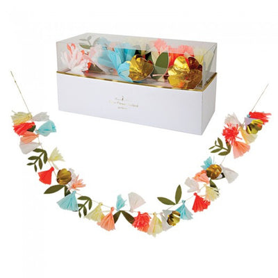 Meri Meri Flower Bouquet Garland -  Party Supplies - Meri Meri UK - Putti Fine Furnishings Toronto Canada - 3
