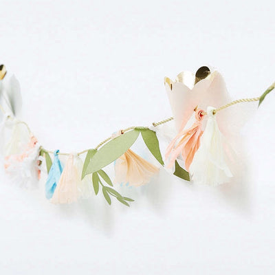 Meri Meri Flower Bouquet Garland -  Party Supplies - Meri Meri UK - Putti Fine Furnishings Toronto Canada - 4