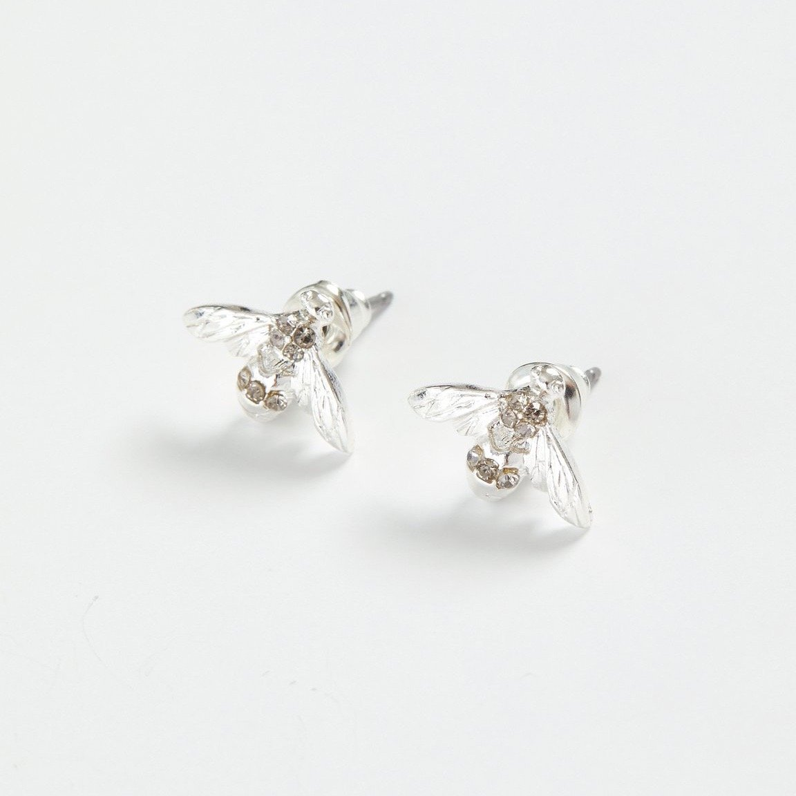 Fable Silver Pave Bee Stud Earrings | Putti fine Fashions