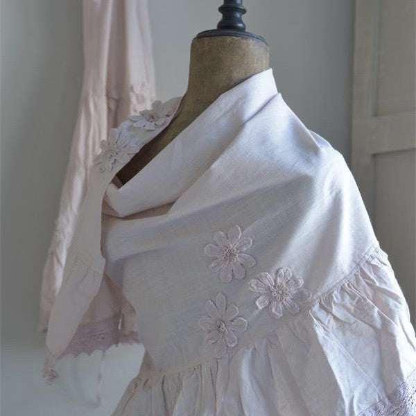 "Jeanne d'Arc Living ""Pretty Flowers"" Shawl - Powder Rose, JDL-Jeanne d'Arc Living, Putti Fine Furnishings"
