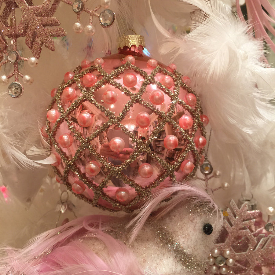 Pink Glass Mesh Pattern Ornament with Pearls