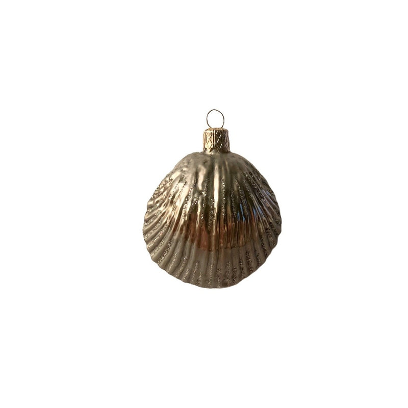 Small Silver Clam Shell Glass Ornament | Putti Christmas Decorations