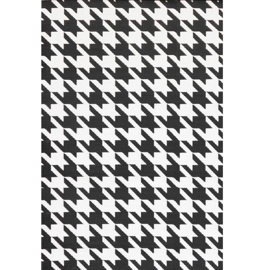"Mad Mats Outdoor Carpet Houndstooth-Outdoor Carpets-MMAT-Mad Mats-2.6""x 8-Black/White-Putti Fine Furnishings"