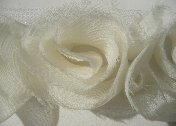 Miss Rose Sister Violet Small Ruffle Rose Braid Ivory
