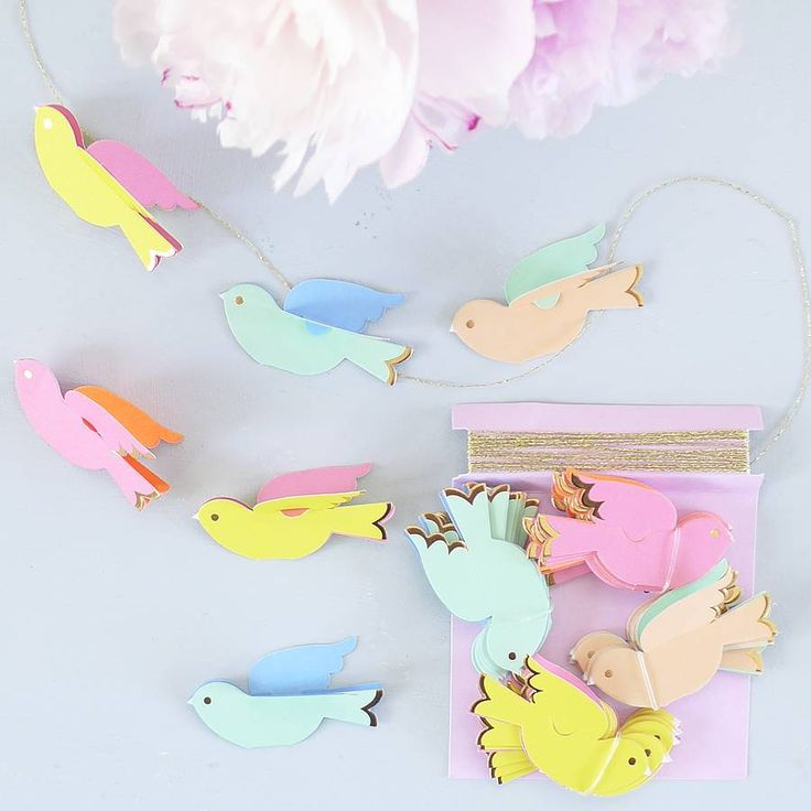 "Meri Meri ""Pretty Birdie"" Mini Garland -  Party Supplies - Meri Meri UK - Putti Fine Furnishings Toronto Canada - 1"