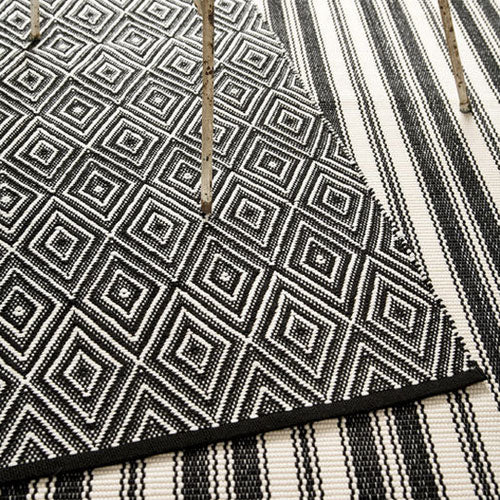 Diamond Indoor Outdoor Rug - Black Ivory